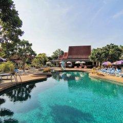 Отель Holiday Villa Ланта бассейн фото 3