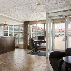 Отель Thriftlodge Saskatoon интерьер отеля фото 3