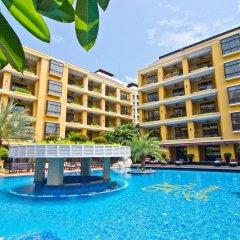 Отель Mantra Pura Resort Pattaya бассейн