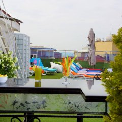 Barin Hotel бассейн