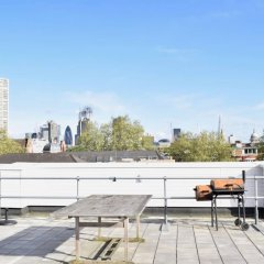 Отель Cosy Central 1 Bedroom Flat With Shared Roof Terrace & Gym Лондон парковка