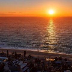 Отель Novotel Surfers Paradise пляж