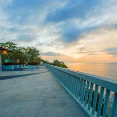 Отель Surin Beach Resort пляж