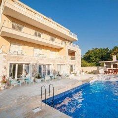 Отель Sea Point Apartments Черногория, Тиват - отзывы, цены и фото номеров - забронировать отель Sea Point Apartments онлайн бассейн фото 3