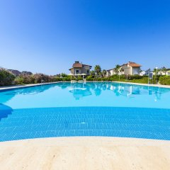 Отель Paradise Town - Villa Colm бассейн фото 3