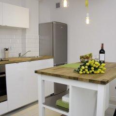 Апартаменты Bizzi Luxheart Of Old Town Apartment Варшава в номере фото 2