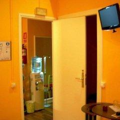 Отель Hostal Pensio 2000 фото 4