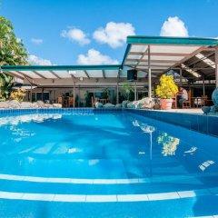Отель Tanoa Skylodge Hotel Фиджи, Вити-Леву - отзывы, цены и фото номеров - забронировать отель Tanoa Skylodge Hotel онлайн бассейн