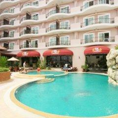 Отель Keerati Homestay бассейн