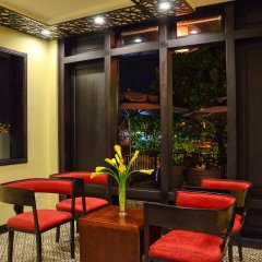 River Suites Hoi An Hotel интерьер отеля
