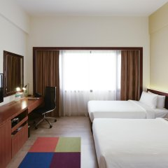 Village Hotel Bugis 4* Улучшенный номер с различными типами кроватей фото 5
