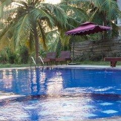 The Coconut Garden Hotel & Restaurant бассейн