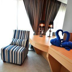 Отель Golden Dragon Beach Pattaya Таиланд, Бангламунг - отзывы, цены и фото номеров - забронировать отель Golden Dragon Beach Pattaya онлайн удобства в номере