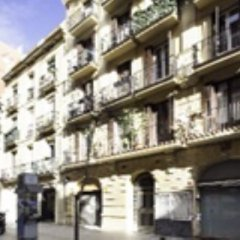 Апартаменты Home Around Gracia Apartments Барселона вид на фасад