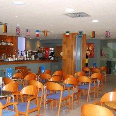 Отель 4R Hotel Playa Margarita Испания, Салоу - отзывы, цены и фото номеров - забронировать отель 4R Hotel Playa Margarita онлайн гостиничный бар