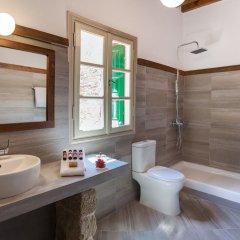 Отель Saint Artemios Boutique Hotel Греция, Родос - отзывы, цены и фото номеров - забронировать отель Saint Artemios Boutique Hotel онлайн ванная