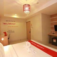 New Life Phuket Design Hotel сейф в номере