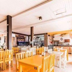 Отель Tawaen Beach Resort гостиничный бар
