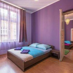 Отель Hostel 70s and Queen Apartments Польша, Краков - 2 отзыва об отеле, цены и фото номеров - забронировать отель Hostel 70s and Queen Apartments онлайн комната для гостей фото 5