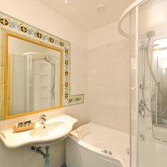 Отель La Bussola Италия, Амальфи - 1 отзыв об отеле, цены и фото номеров - забронировать отель La Bussola онлайн ванная
