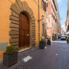 Отель Vittoria Enchanting - Three Bedroom Италия, Рим - отзывы, цены и фото номеров - забронировать отель Vittoria Enchanting - Three Bedroom онлайн парковка