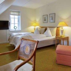 Best Western Hotel Knudsens Gaard сейф в номере