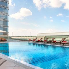 Отель Pearl Rotana Capital Centre бассейн фото 3