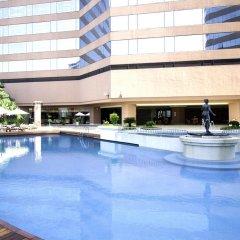 Отель Swissotel Bangkok Ratchada бассейн