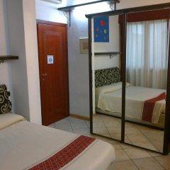 Отель Sardinia Domus сейф в номере