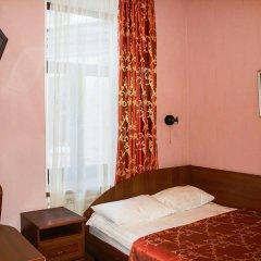 Апартаменты Гостевые комнаты и апартаменты Грифон комната для гостей