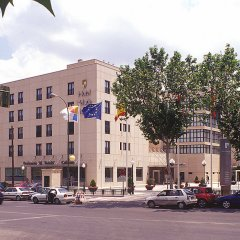 Отель Holiday Inn Madrid - Calle Alcala парковка