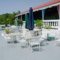 Отель Skymiles Beach Suite At Montego Bay Club Resort Ямайка, Монтего-Бей - отзывы, цены и фото номеров - забронировать отель Skymiles Beach Suite At Montego Bay Club Resort онлайн бассейн фото 2