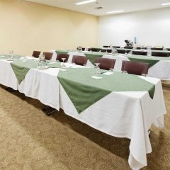 Отель Holiday Inn Express Medellin