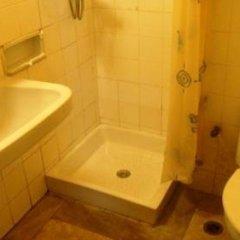 Отель Aris Hotel Греция, Афины - отзывы, цены и фото номеров - забронировать отель Aris Hotel онлайн ванная
