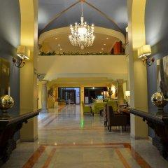 Отель Holiday Inn Guadalajara Expo интерьер отеля