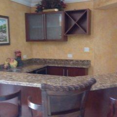 Отель Milbrooks Resort Ямайка, Монтего-Бей - отзывы, цены и фото номеров - забронировать отель Milbrooks Resort онлайн удобства в номере фото 2