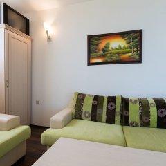 Апартаменты One Bedroom Apartment with Balcony in Avalon Complex комната для гостей фото 3