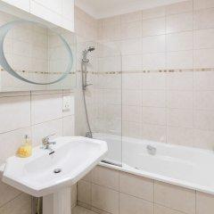 Отель Belgravia Apartments - Grosvenor Gardens Великобритания, Лондон - отзывы, цены и фото номеров - забронировать отель Belgravia Apartments - Grosvenor Gardens онлайн ванная
