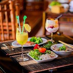 Отель Golden Peach Villa Hoi An гостиничный бар