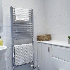 Отель Spacious 1 Bedroom By Finsbury Park Великобритания, Лондон - отзывы, цены и фото номеров - забронировать отель Spacious 1 Bedroom By Finsbury Park онлайн ванная