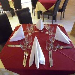 Отель Amigos - Full Board Болгария, Аврен - отзывы, цены и фото номеров - забронировать отель Amigos - Full Board онлайн питание