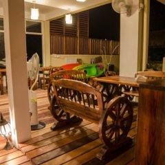 Отель Golhaa View Inn By Tes Остров Гасфинолу гостиничный бар