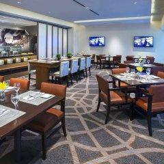 Отель Newark Liberty International Airport Marriott США, Ньюарк - отзывы, цены и фото номеров - забронировать отель Newark Liberty International Airport Marriott онлайн питание фото 2