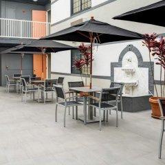 Отель Rodeway Inn Los Angeles гостиничный бар