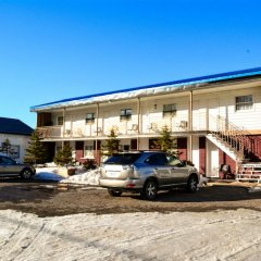 Отель Auberge du Village Shawville Motel парковка