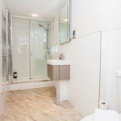 Отель Marylebone 3 Bedroom Flat Великобритания, Лондон - отзывы, цены и фото номеров - забронировать отель Marylebone 3 Bedroom Flat онлайн ванная фото 2