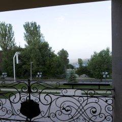 Отель Russia Hotel (Цахкадзор) Армения, Цахкадзор - отзывы, цены и фото номеров - забронировать отель Russia Hotel (Цахкадзор) онлайн балкон