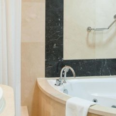 Отель Holiday Inn Bur Dubai Embassy District Дубай спа