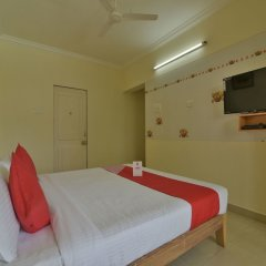 Отель Oyo 12993 Pramila Court Гоа сейф в номере