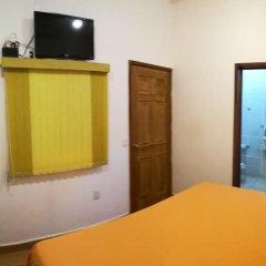 Отель BM Zihua Casa de Huéspedes удобства в номере